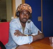 Kumani Mensah en «Los Sonidos del Planeta Azul» UPV Radio./ (Paco Valiente)