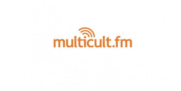 Multicult.fm en las ondas de Berlín (FM 88.4 MHz) y sureste de la ciudad y Potsdam (FM 90.7 MHz).