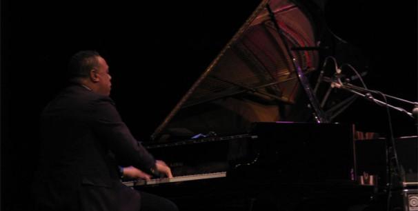 Chuchito Valdés durante una actuación en Valencia, febrero de 2013./ (Paco Valiente)