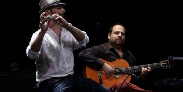 El flautista y compositor Oscar de Manuel y el guitarrista Juan de Pilar