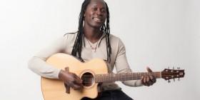 """El músico senegalés Malick Diaw saca  """"Ainsi va la vie"""", su primer proyecto personal"""