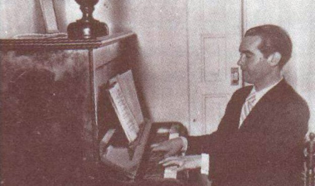 """Federico García Lorca en la foto de portada del disco """"Canciones Populares Españolas"""""""