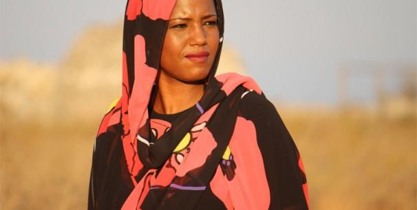 La artista saharaui Aziza Brahim./ (Guillem Moreno)