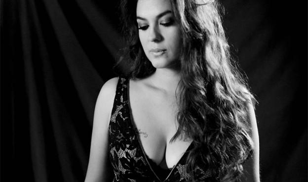 Alba Molina, hija de Lole y Manuel, repasa los temas del dúo que revolucinó el flamenco