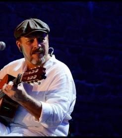 Javier Ruibal edita los conciertos de celebración  de su 35 cumpleaños en Cádiz./(David Cabrera)