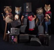 Las maletas de las trikis de Kepa Junkera protagoninzan su nuevo disco junto a Sorginak