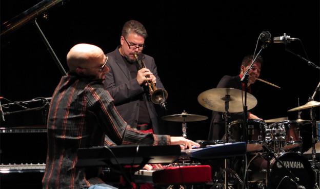 David Pastor & Nu Roots en la III edición de Jazz Eñe, Teatro Rialto de Valencia./ (Paco Valiente)
