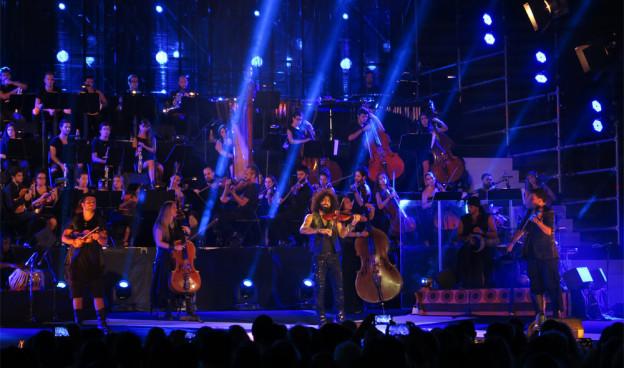 Ara Malikian y su Orquesta en Valencia el pasado 11 septiembre, final de la gira '15'./ (Paco Valiente)