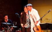 Javier Ruibal con Carmen Linares en la grabación del disco  '35 aniversario'./ (S. Ortolá)