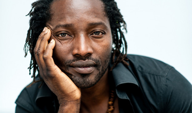 El músico de Guinea Bissau Mû Mbana./ (Joan Tomás)
