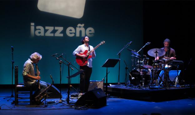 Perico Sambeat al frente de Noesis Trio en JazzEñe 2016./ (Paco Valiente)