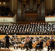 Orquesta de Valencia y Cor de la Generalitat dirigidos por Yaron Traub, Palau de la Música./ (Revelarte)