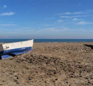 Playa de la Malvarosa, horizonte desde el Mediterráneo occiental./ (Paco Valiente)