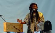 El músico malgache Kilema durante su actuación en Etnomusic 2009./ (Paco Valiente)