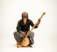 Mû Mbana, compositor, cantante y multiinstrumentista de Guinea Bissau. / (Joan Tomás)