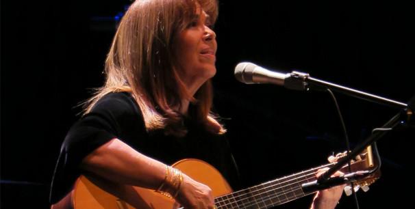 Maria del Mar Bonet el pasado 28 de abril en Aldaia, gira '50 anys d´escenaris'./ (Paco Valiente)