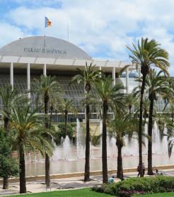 El Palau de la Música de Valencia, y los Jardines del Túria. (P. V.)
