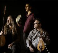 """Efrén López, Stelios Petrakis y Bijan Chemirani editan """"Taos"""", segundo álbum del trío./ (Laura Soriano)"""