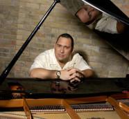 El prodigioso pianista cubano Nachito Herrera