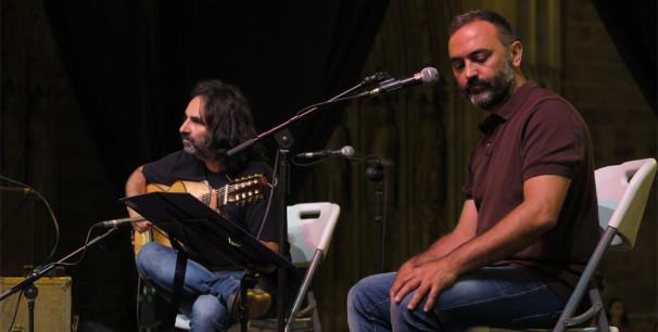 El cantante Rafel Arnal y  multiinstrumentista griego Spyros Kaniaris líder de Krama./ (P. V.)