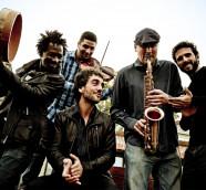 Sinouj, banda liderada por Pablo Hernández