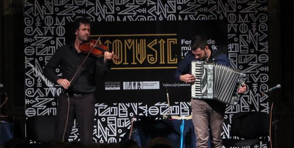 Fetén Fetén, el dúo de Jorge Arribas y Diego Galaz, en Etnomusic Tardor 2017./ (Paco Valiente)