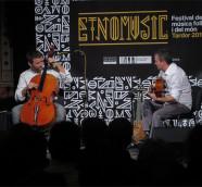 """Matthieu Saglio y José """"El Piru"""" presentaron """"Petit à Petit"""" en Etnomusic Tardor 2017./ (Paco Valiente)"""