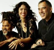 Tribalistas, el trío de Carlinhos Brown, Marisa Monte y Arnaldo Antunes, editan disco, y gira mundial