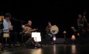 Primer concierto de Aljub con '16 anys en 16 cançons',  en el Teatre de Algemesí./ (Paco Valiente)