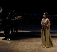 La mezzo soprano Consuelo Hueso en el recital de apertura de Las Artes En Paralelo 2017-18./ (P. V.)