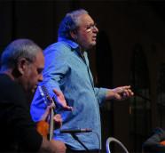 """El cantaor valenciano """"Apa"""", con Eduard Navarro y Ricardo Esteve, en Etnomusic 2018./ (Paco Valiente)"""
