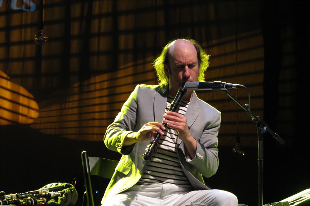 Carlos Núñez además de gaitero es un virtuoso flautista./ (P. V.)