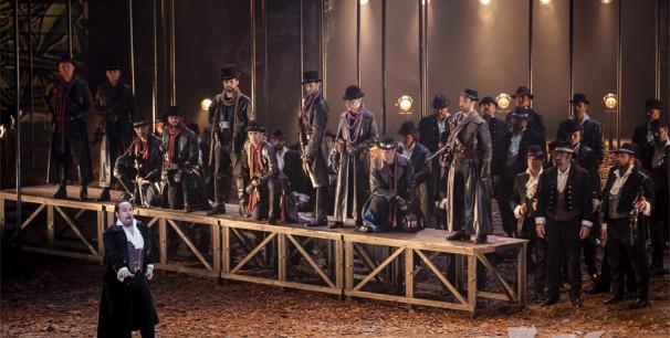 Representación de 'I masnadieri' de Giusepe Verdi en Les Arts./ (Mikel Ponce/Miguel Lorenzo)