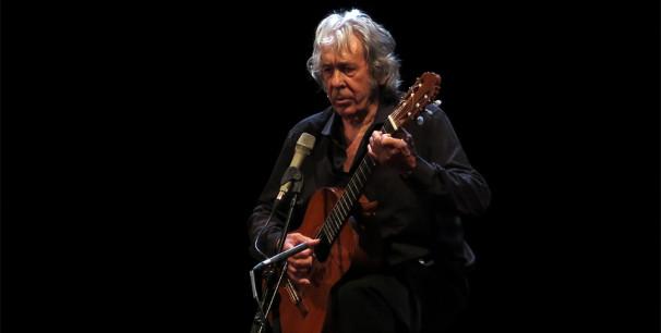 Paco Ibáñez,  en el Teatro Olympia de Valencia en mayo de 2016 ./ (Paco Valiente)