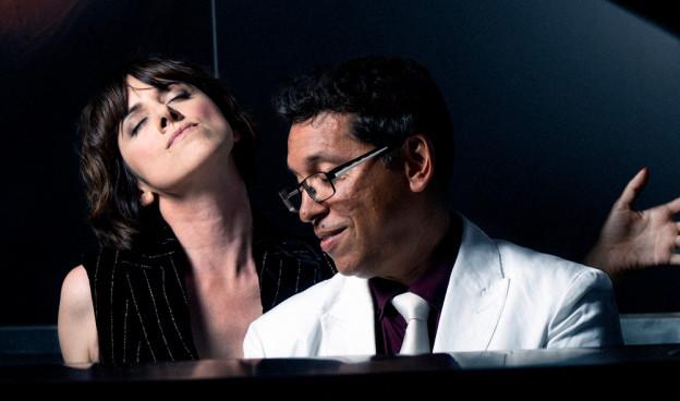 """La cantante María Berasarte y el pianista Pepe Rivero, juntos en """"Delirio"""" (2019)"""