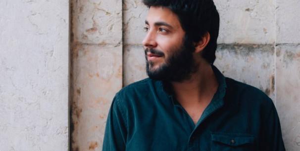 """El cantante portugués Salvador Sobral publica """"Paris, Lisboa""""./ (Tomás Monteiro)"""