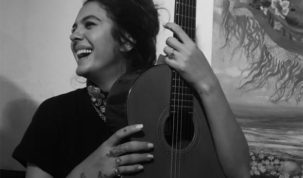 Alba Molina, hija de Lole Montoya y Manel Molina, el dúo Lole y Manuel