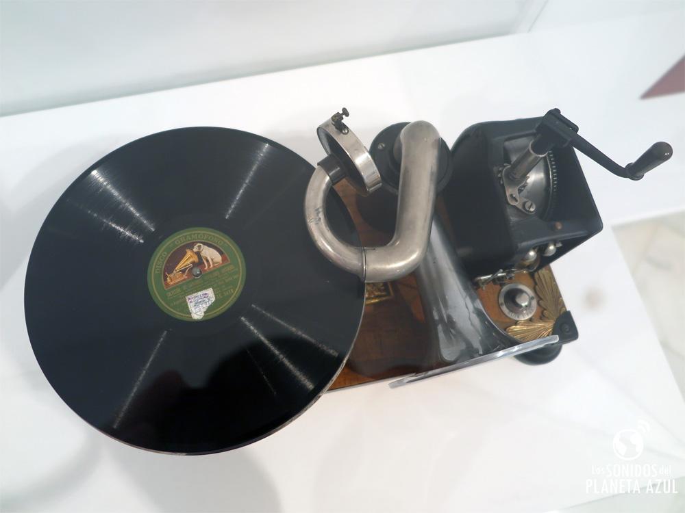 Una de las cinco placas de 78 RPM de Lorca y La Argentinita de 1931. (P. V.)