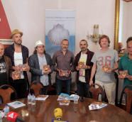 Presentación del álbum '10 años' de cooperación cultural, Luis Calvo y músicos del proyecto./ (P. V.)