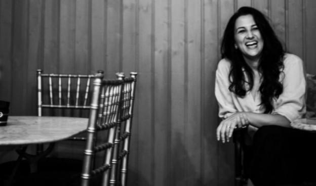 Primer álbum propio de Alba Carmona, con piezas con el amor como protagonista