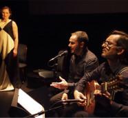 'Encendidas', un emotivo encuentro del teatro y la poesía./ (Jordi Pla)
