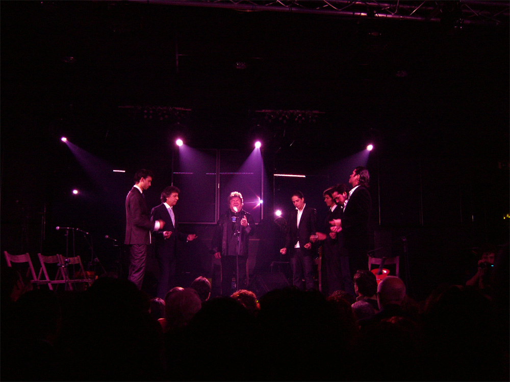 Morente, en último concierto que ofreció en Valencia, en diciembre 2009./ (Paco Valiente)