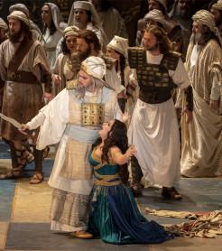 Plácido Domingo protagoniza la representación de 'Nabucco' en Les Arts./ (M. Lorenzo · M.Ponce)