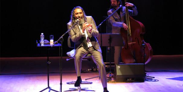 El Cigala ya revivió los éxitos de 'Lágrimas Negras' en Les Arts, 17 noviembre de 2018./ (Paco Valiente)
