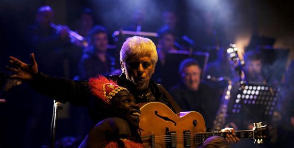 Ximo Tébar con 'A-Free-Jazz' fusiona el jazz con la danza y la percusión africana
