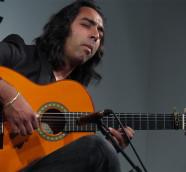 Carlos de Jacoba, en la presentación de su disco en la FNAC València, el pasado junio./ (Paco Valiente)