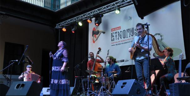 """La gran dama de la música gallega, Uxía presentó en Etnomusic 2019 su álbum """"Uxía-o""""./ (Paco Valiente)"""