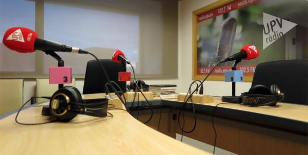 Los estudios de UPV Ràdio se quedan vacíos, #YoMeQuedoEnCasa./ (Paco Valiente)