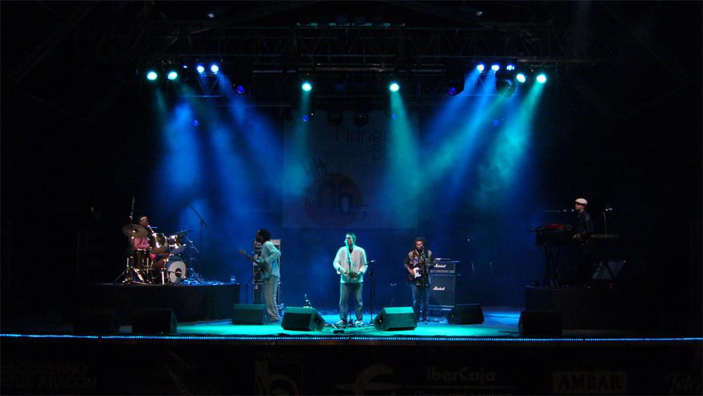 Tony Allen en el Festival Pirineos Sur, en julio de 2006./ (Paco Valiente)
