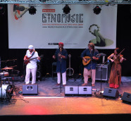 La Banda Morisca en el escenario de Etnomusic, en 2019./ (Paco Valiente)